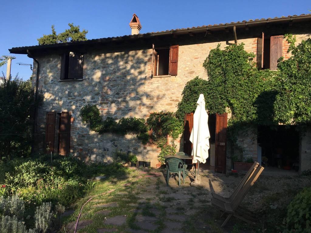 Rustico / Casale in buone condizioni in vendita Rif. 6327154