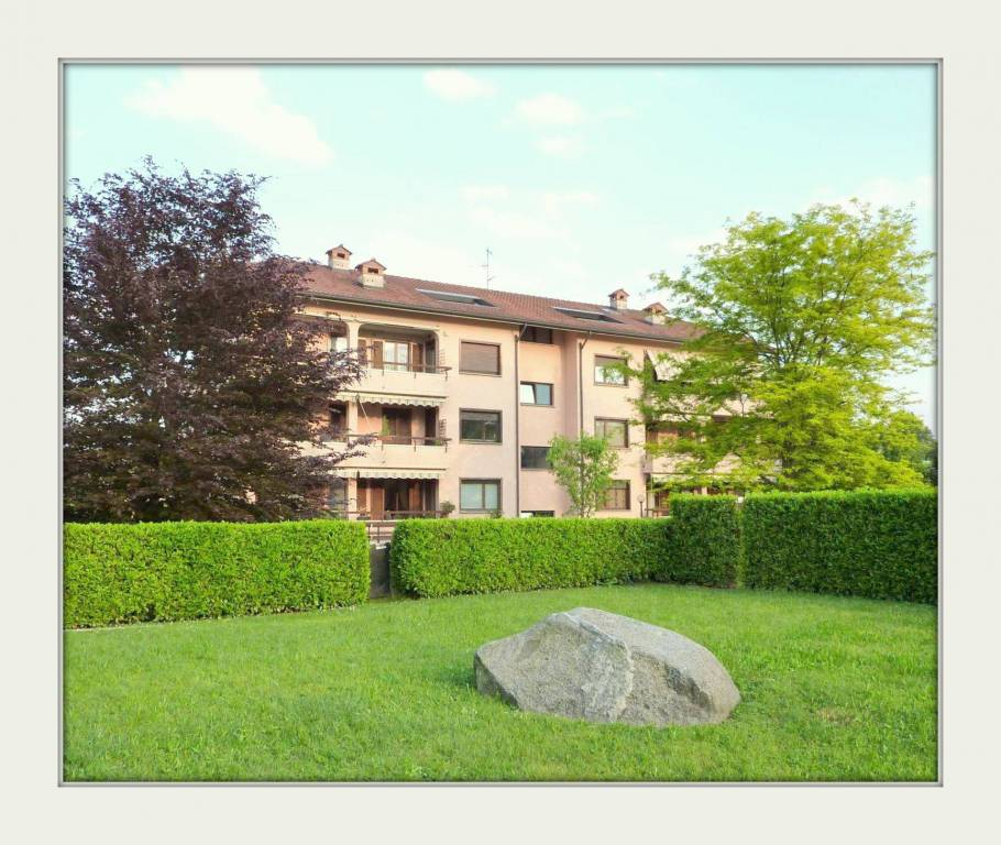 Appartamento in buone condizioni arredato in affitto Rif. 7528468