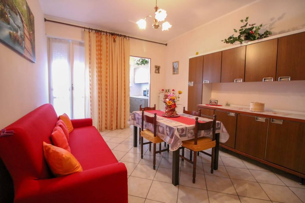 Appartamento in buone condizioni in vendita Rif. 7530227