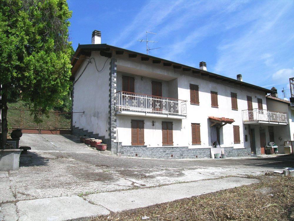 Rustico / Casale in vendita a Mombello Monferrato, 6 locali, prezzo € 85.000 | CambioCasa.it