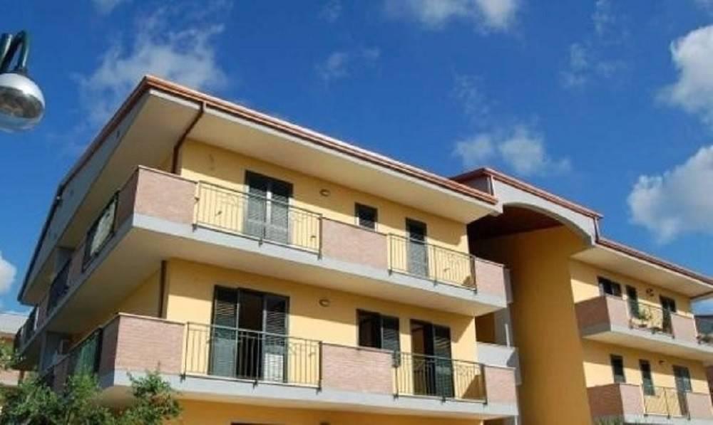 Appartamento in ottime condizioni in vendita Rif. 7541550