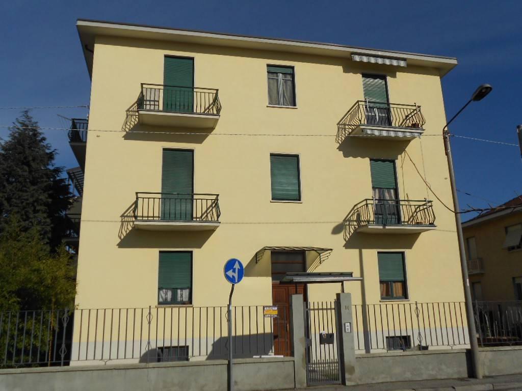 Appartamento in buone condizioni in affitto Rif. 7540699