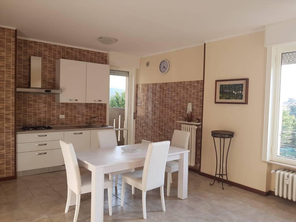 Appartamento in ottime condizioni arredato in vendita Rif. 7241541