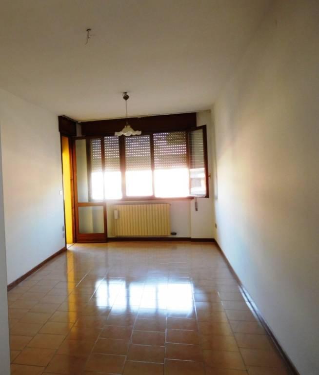 Appartamento due letto con ampio terrazzo e garage