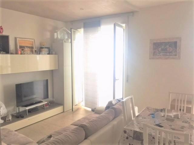 Appartamento in ottime condizioni in vendita Rif. 7541162