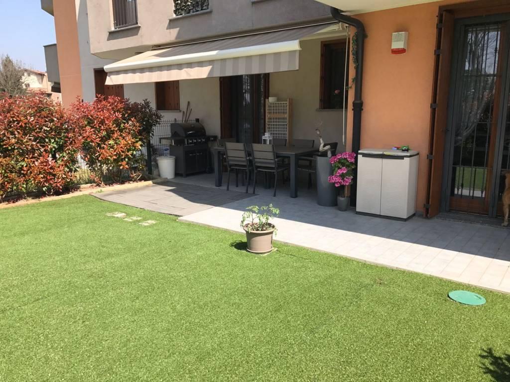 Appartamento parzialmente arredato in vendita Rif. 7540486