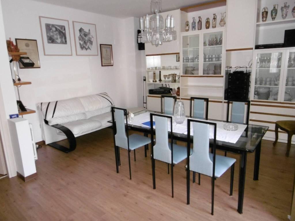 Appartamento in buone condizioni arredato in vendita Rif. 7539760
