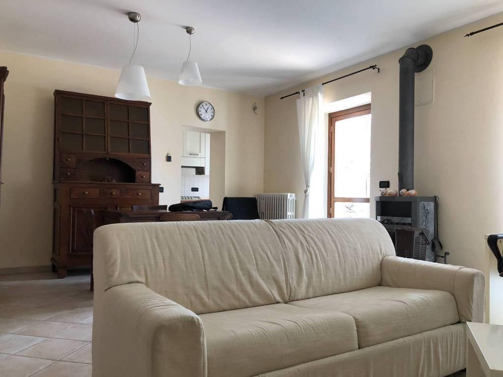 Appartamento in ottime condizioni arredato in vendita Rif. 7541203