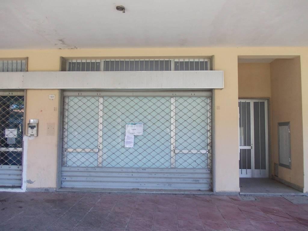 Fondo commerciale in Marina di Cecina - Ag. Imm. Valdicecina