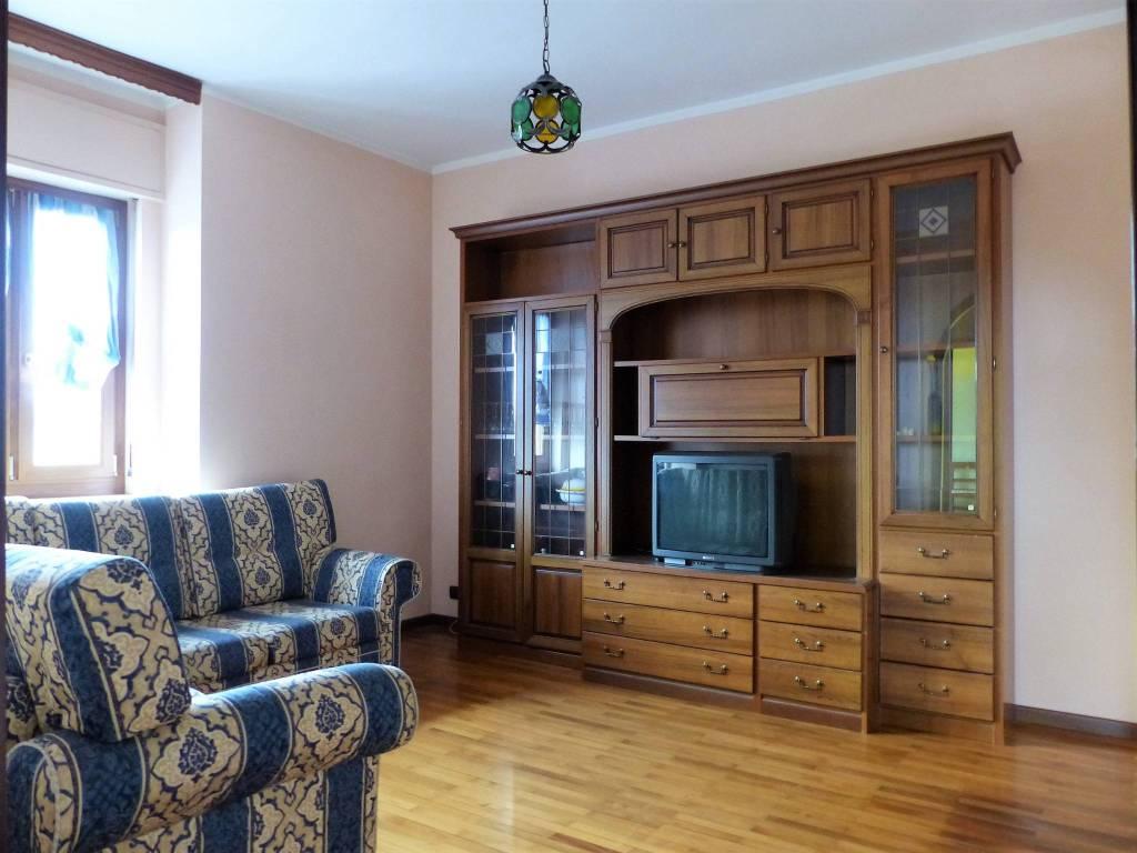 Appartamento in buone condizioni in vendita Rif. 7541442