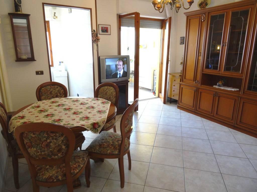 Appartamento in buone condizioni arredato in vendita Rif. 7549709