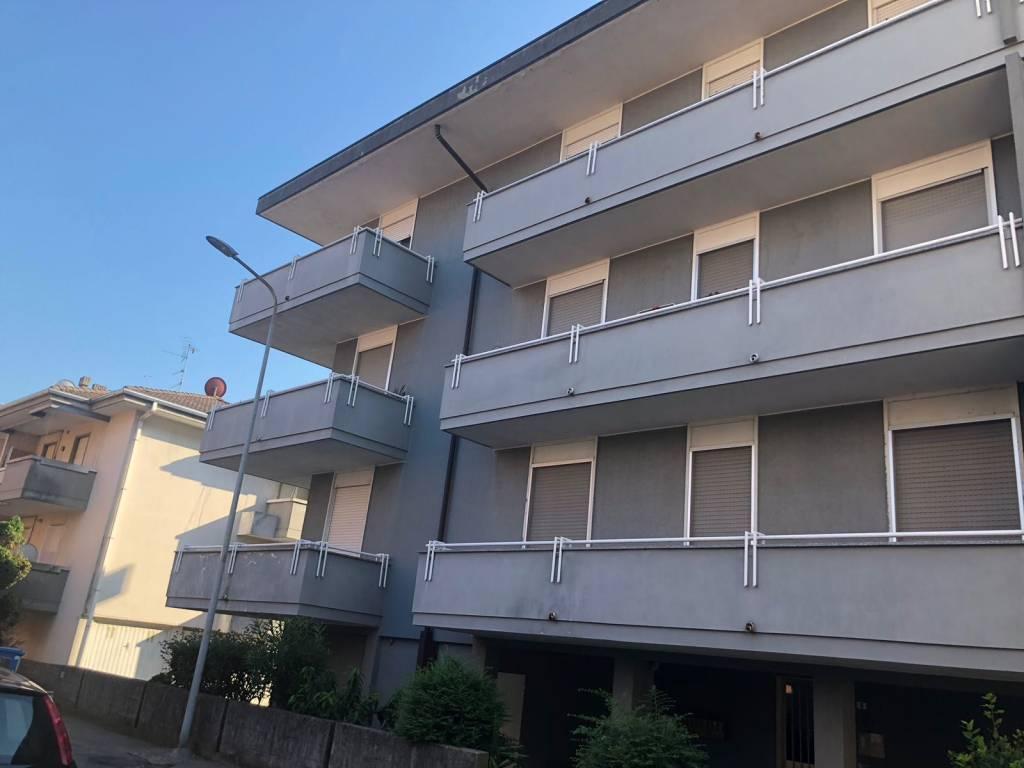 Appartamento in buone condizioni in vendita Rif. 7550350