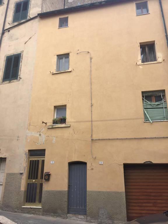 Appartamento da ristrutturare in vendita Rif. 7553549
