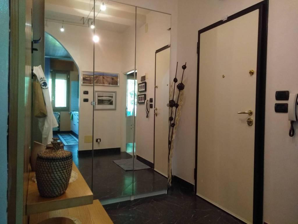 Appartamento in ottime condizioni in vendita Rif. 7441756