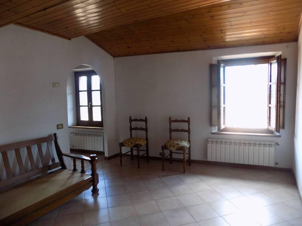 Appartamento in buone condizioni parzialmente arredato in vendita Rif. 7552080