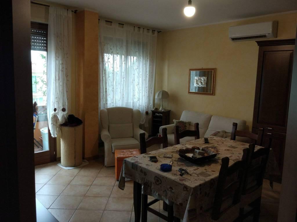 Appartamento in buone condizioni in vendita Rif. 7558303