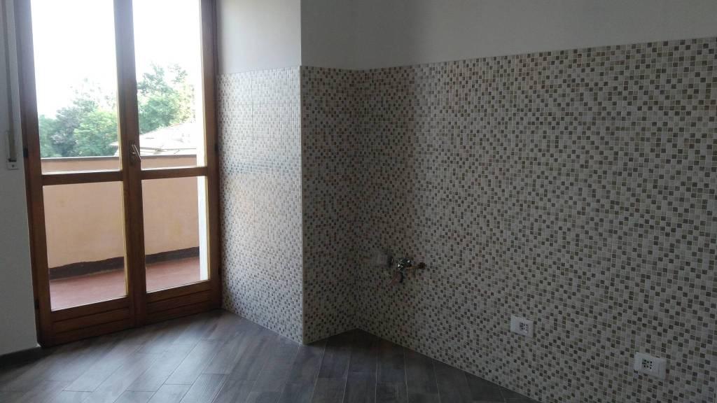 Appartamento in buone condizioni in affitto Rif. 7557601