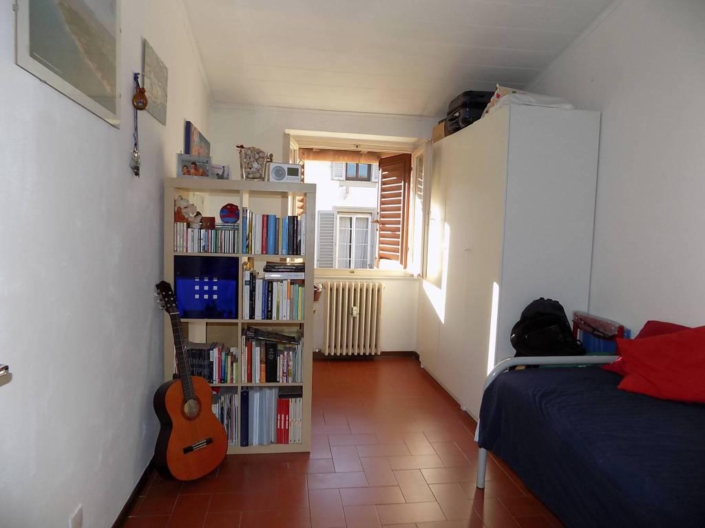 Appartamento in vendita 3 vani 50 mq.  via Montebello Firenze