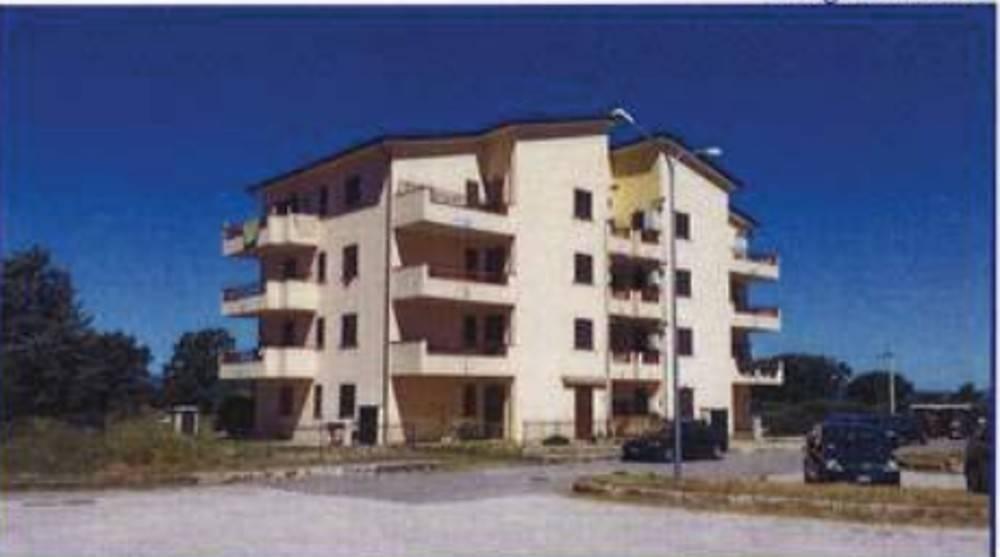 Appartamento in buone condizioni in vendita Rif. 7559649