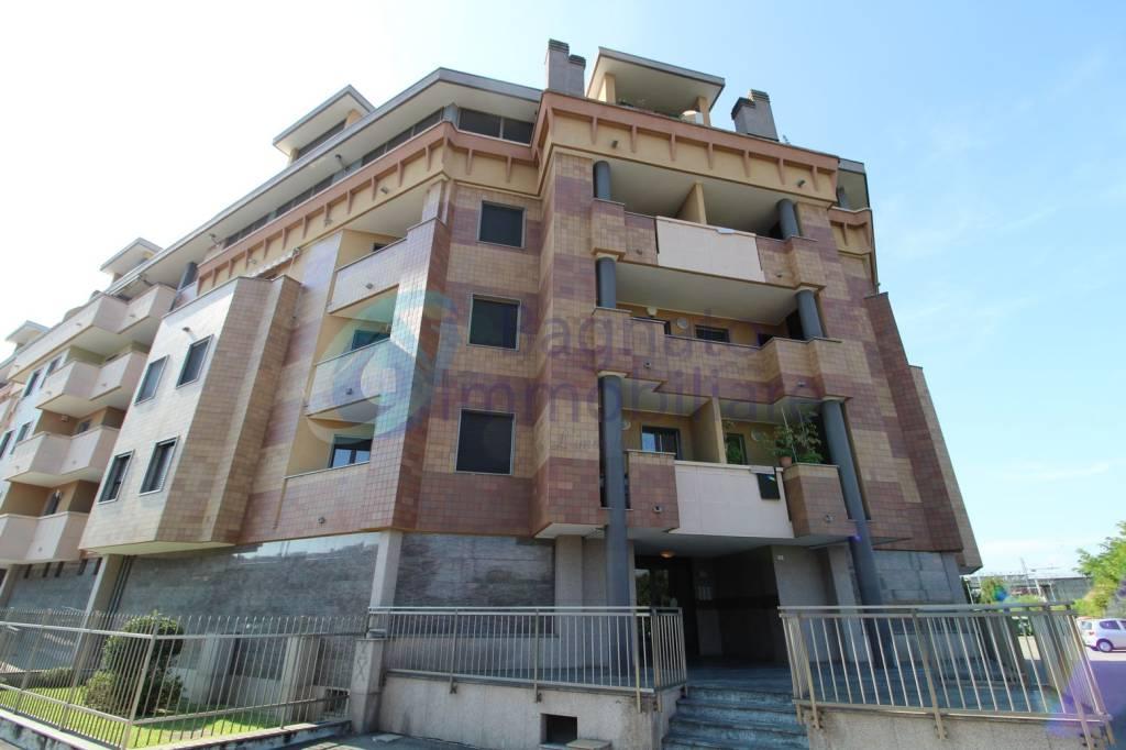 Appartamento in ottime condizioni arredato in vendita Rif. 7557899
