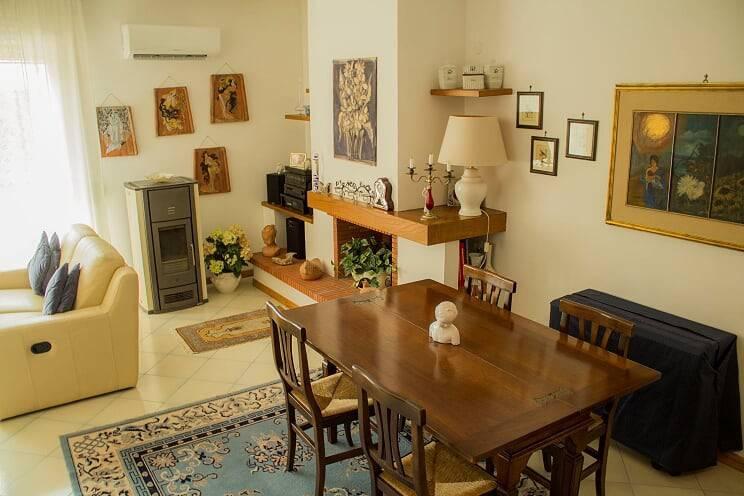 Casa Indipendente in buone condizioni in vendita Rif. 7559892