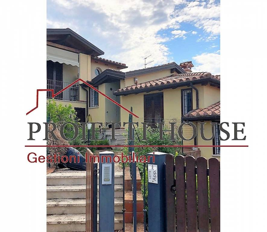 Appartamento in ottime condizioni arredato in affitto Rif. 7608549