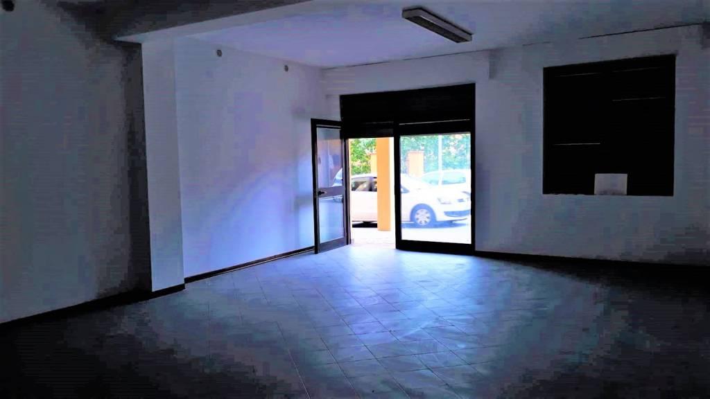 Attività commerciale in affitto Rif. 7006278