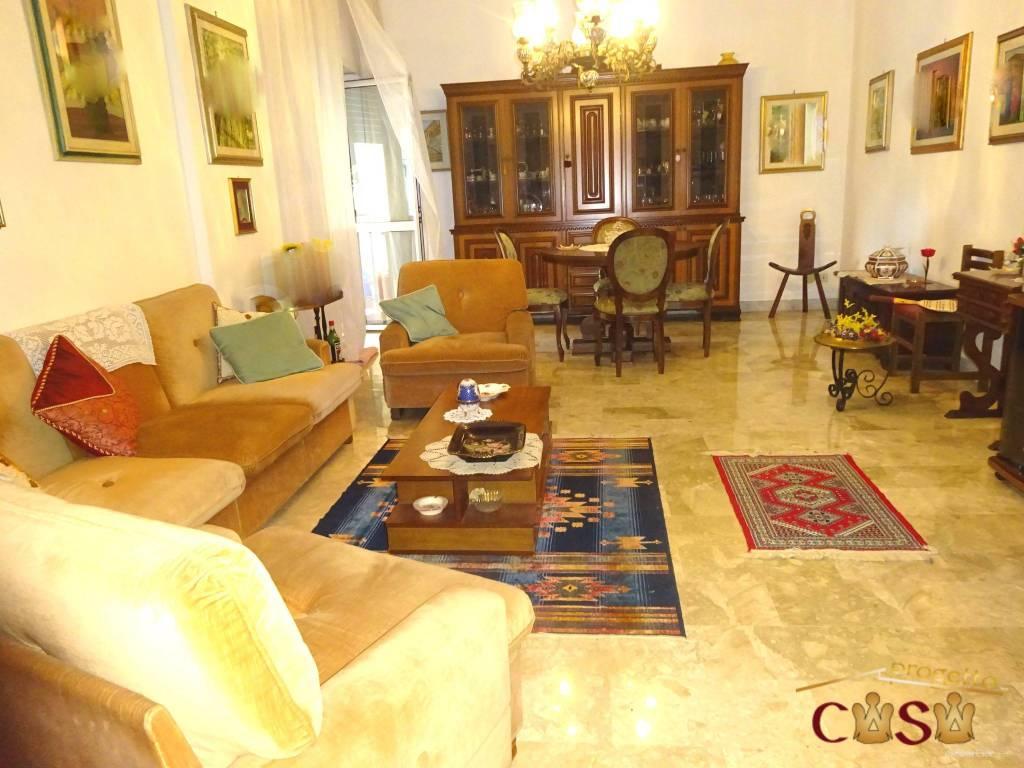 Appartamento in buone condizioni arredato in affitto Rif. 7566142