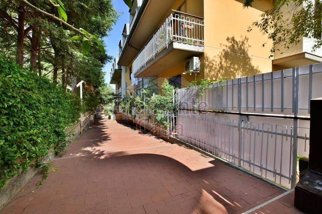 Appartamento in Affitto a Sant'Agata Li Battiati Centro: 3 locali, 90 mq