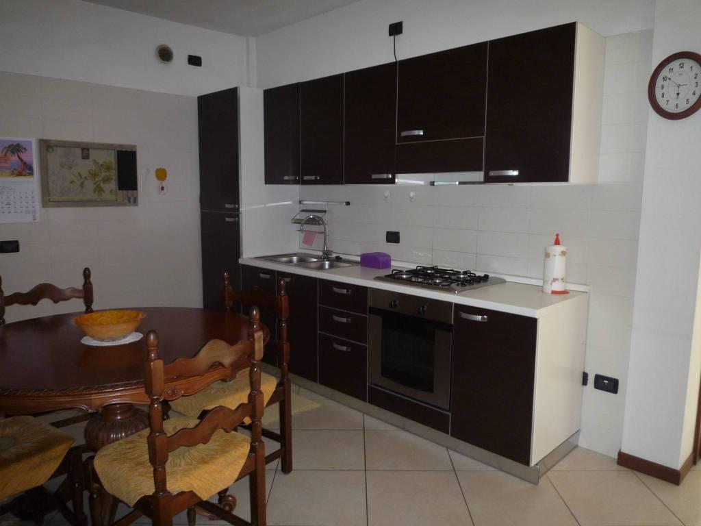 Appartamento in ottime condizioni arredato in affitto Rif. 7859593