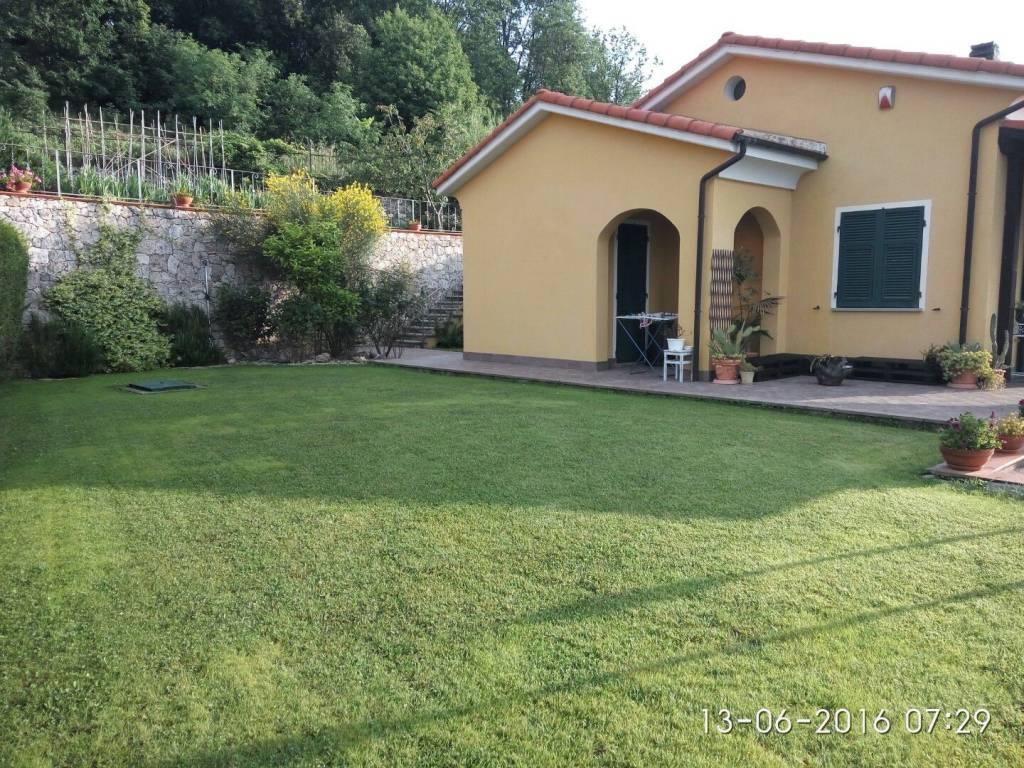 Foto 1 di Villa via Montegio, Vezzi Portio