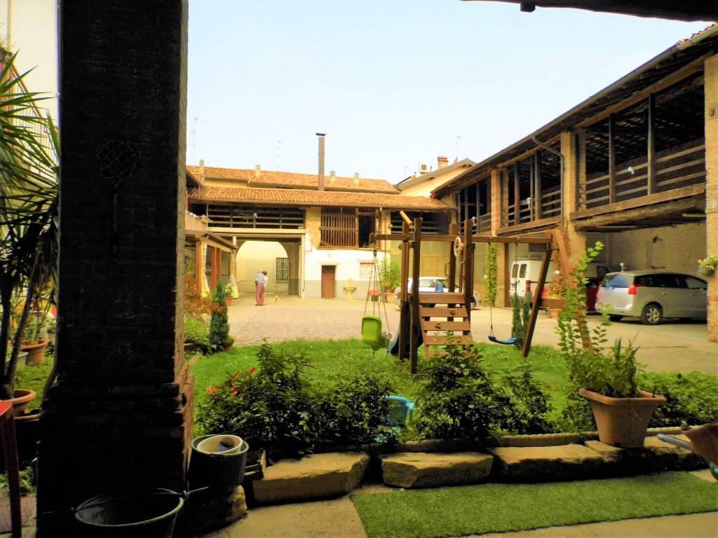 Palazzo / Stabile in vendita a Calcinate, 6 locali, prezzo € 650.000 | CambioCasa.it