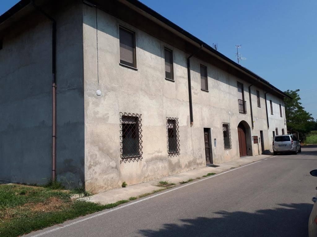 Appartamento in affitto a Parabiago, 2 locali, prezzo € 500 | CambioCasa.it