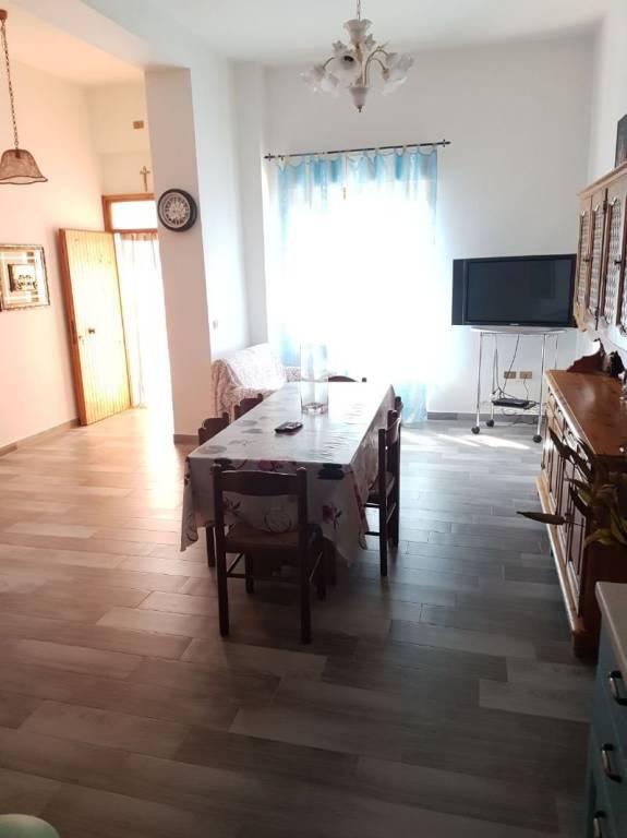Appartamento in ottime condizioni arredato in vendita Rif. 4328117