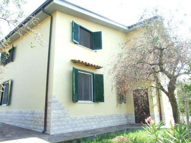 Villa in buone condizioni in vendita Rif. 7565978