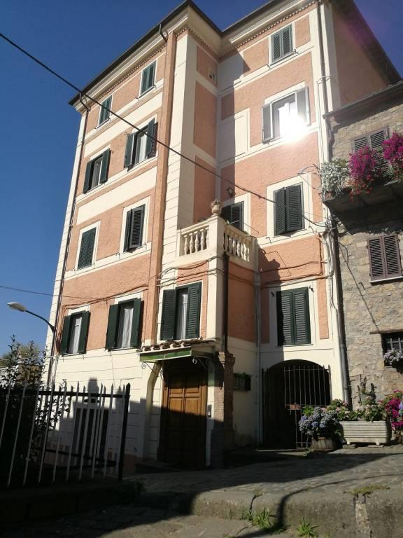 Appartamento in buone condizioni in vendita Rif. 7567346