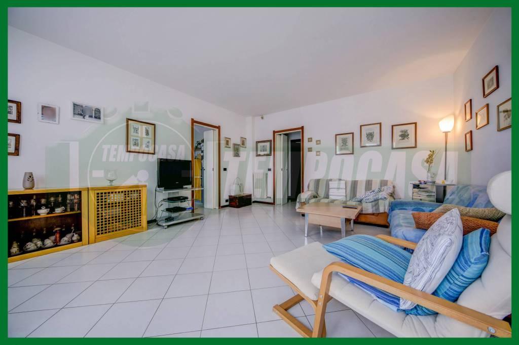 Appartamento in buone condizioni in vendita Rif. 8914689