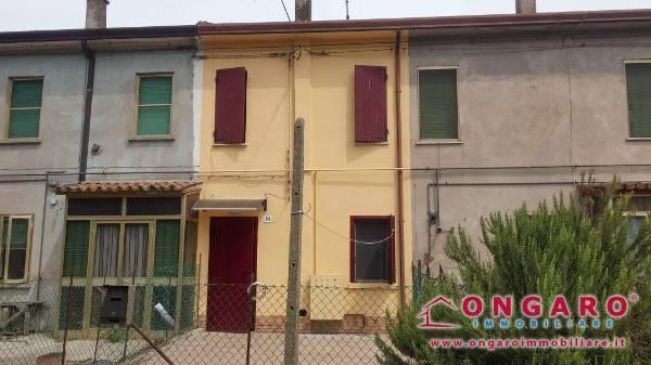 Casa Indipendente in buone condizioni arredato in vendita Rif. 7576359