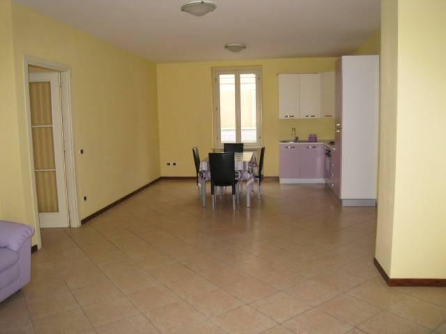 Appartamento in ottime condizioni arredato in affitto Rif. 7578088