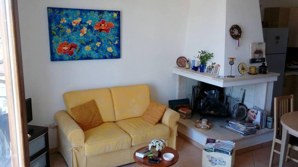 Appartamento in buone condizioni arredato in vendita Rif. 7503932