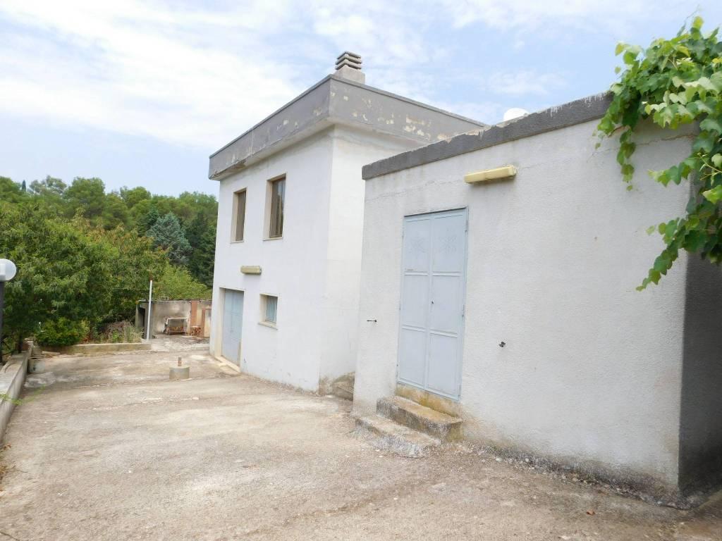 Villa in buone condizioni in vendita Rif. 7576878