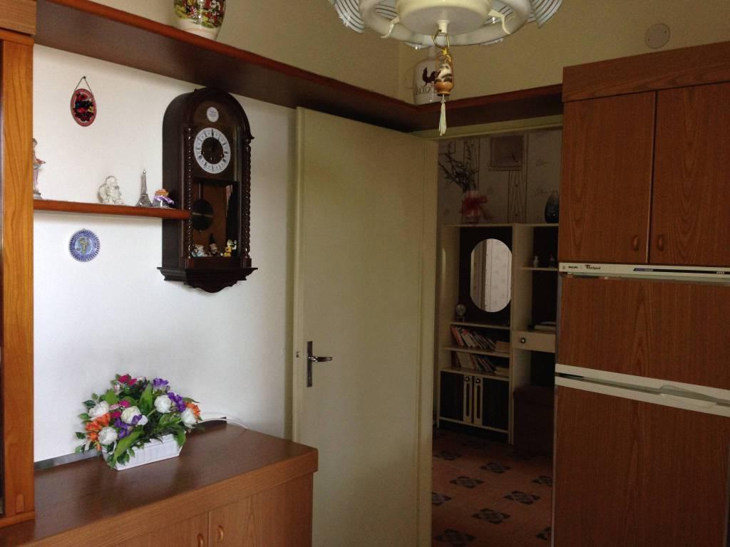 Appartamento in buone condizioni in vendita Rif. 7576843