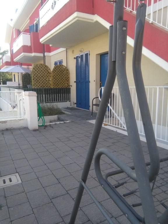 Appartamento in ottime condizioni parzialmente arredato in vendita Rif. 8851228