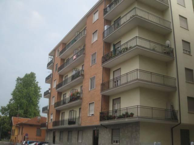 Appartamento in ottime condizioni in affitto Rif. 7576228