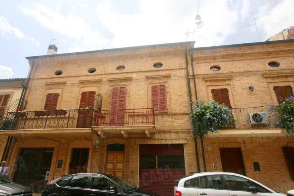 Casa Indipendente da ristrutturare in vendita Rif. 7577404