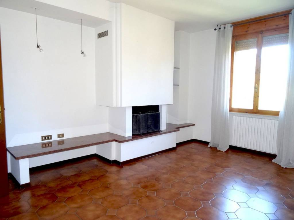 Appartamento in buone condizioni in vendita Rif. 7568584