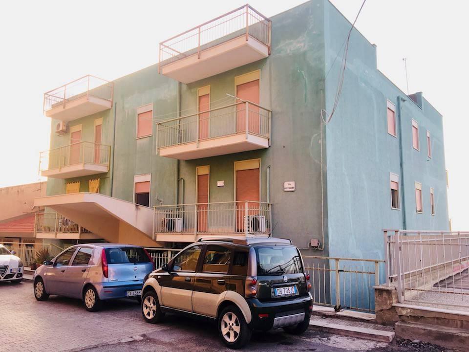 Appartamento in buone condizioni in vendita Rif. 7576086