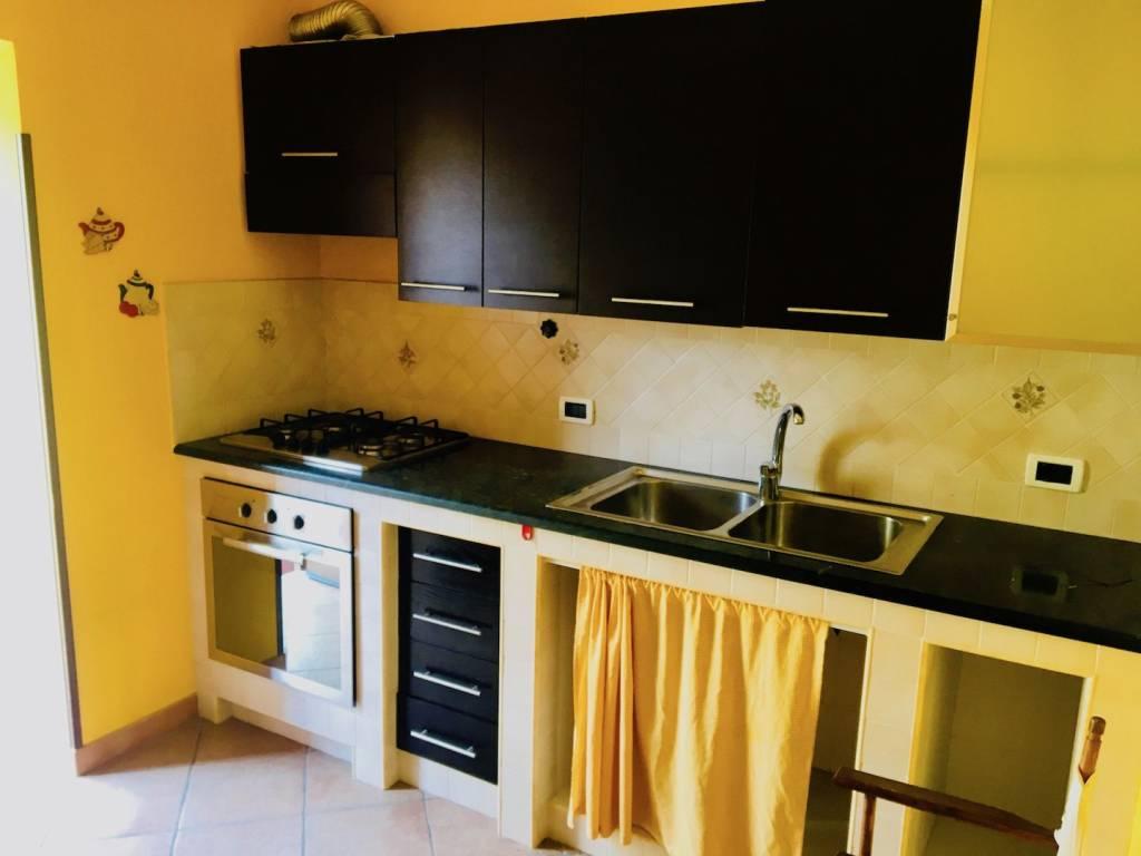 Appartamento in ottime condizioni in vendita Rif. 7576087