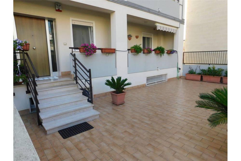 Casa indipendente 6 locali in vendita a Matera (MT)