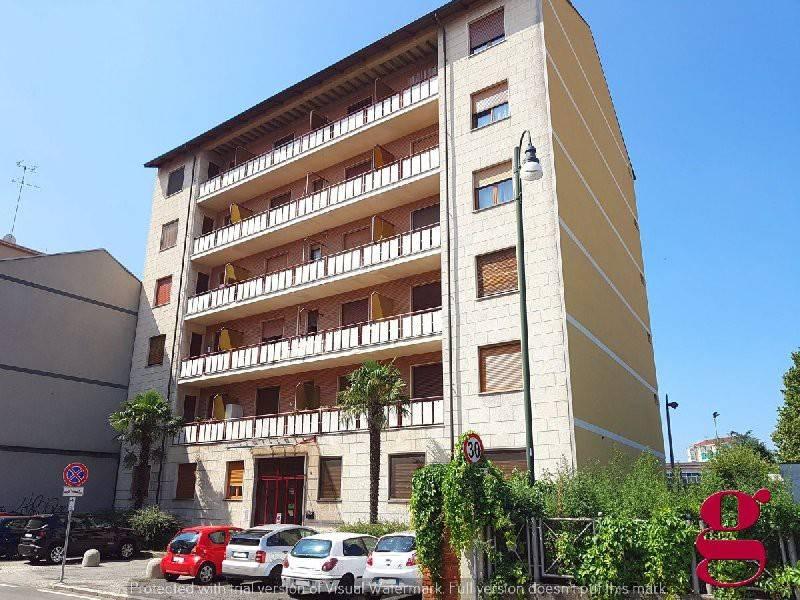 Appartamento in buone condizioni in vendita Rif. 7583675